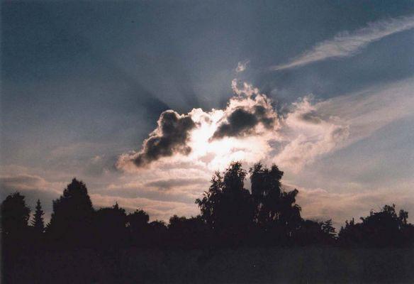 teils heiter - teils wolkig