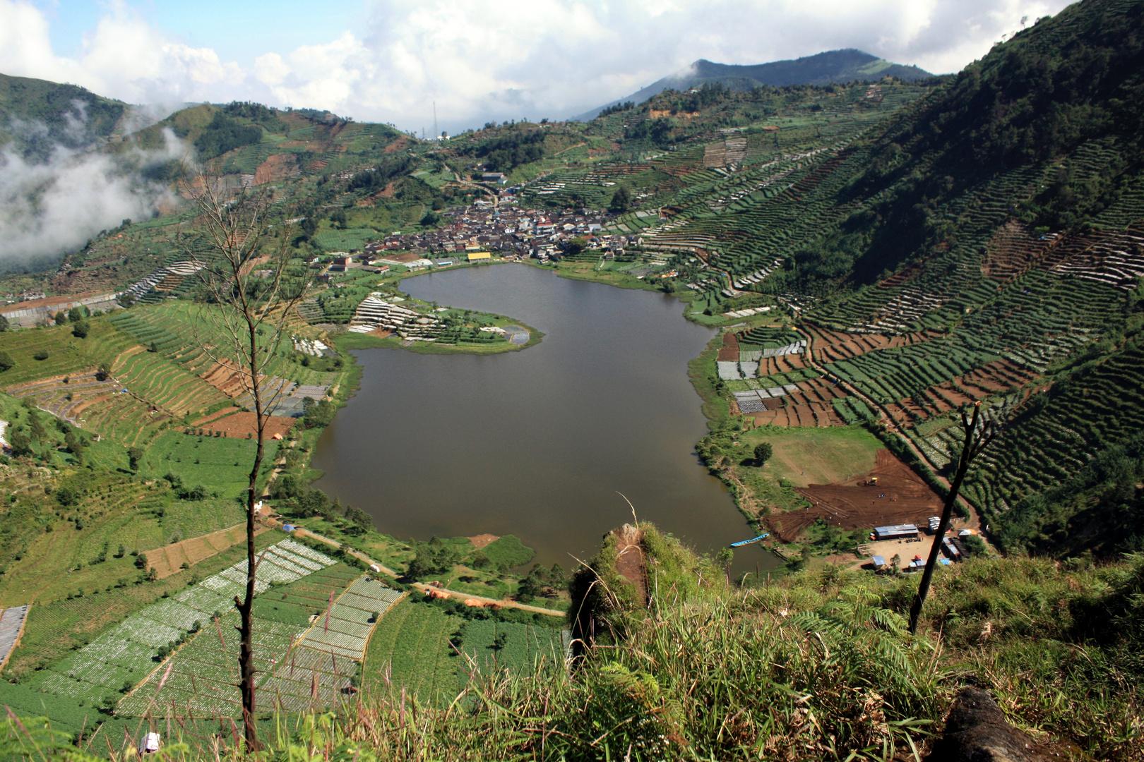 Telaga Cebong, the lake above the clouds