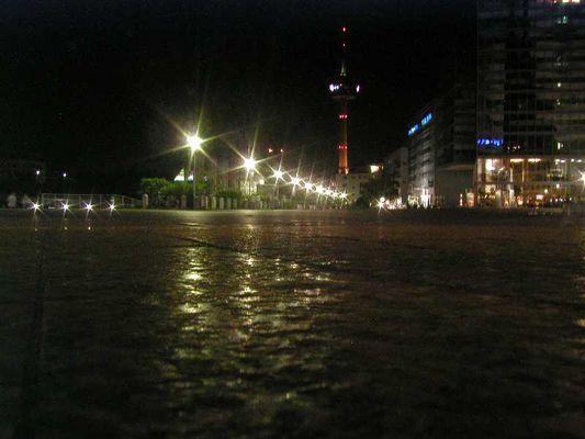 Telekom-Turm bei Nacht
