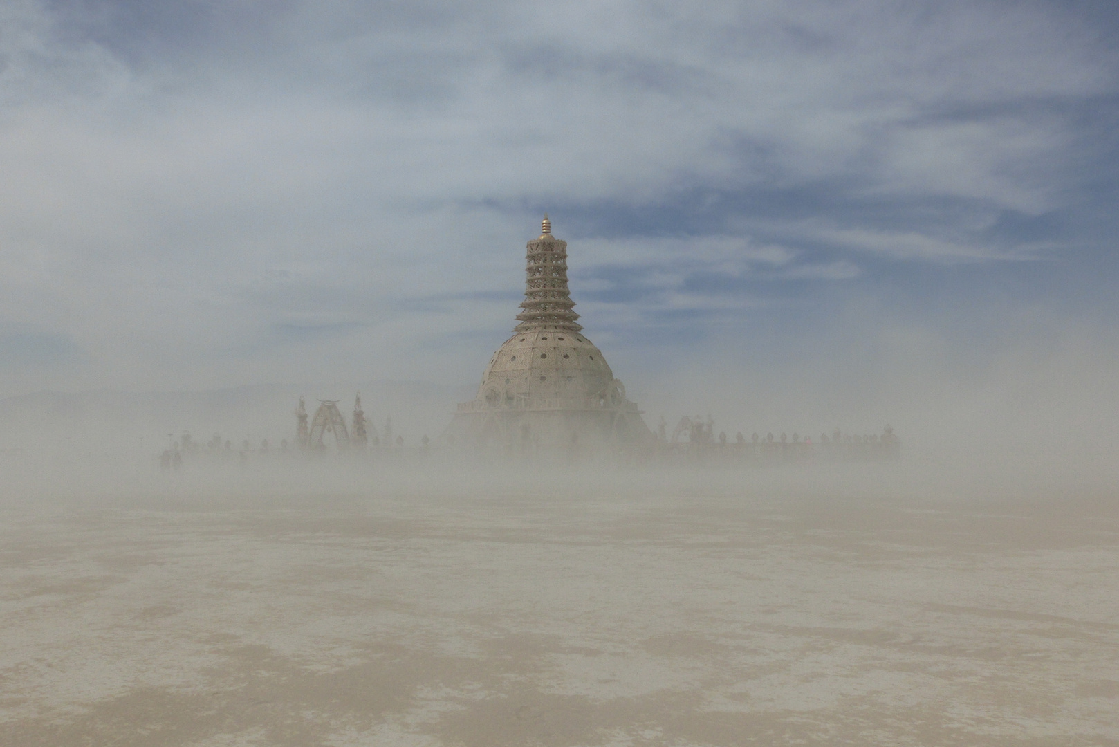 Tempel in the storm