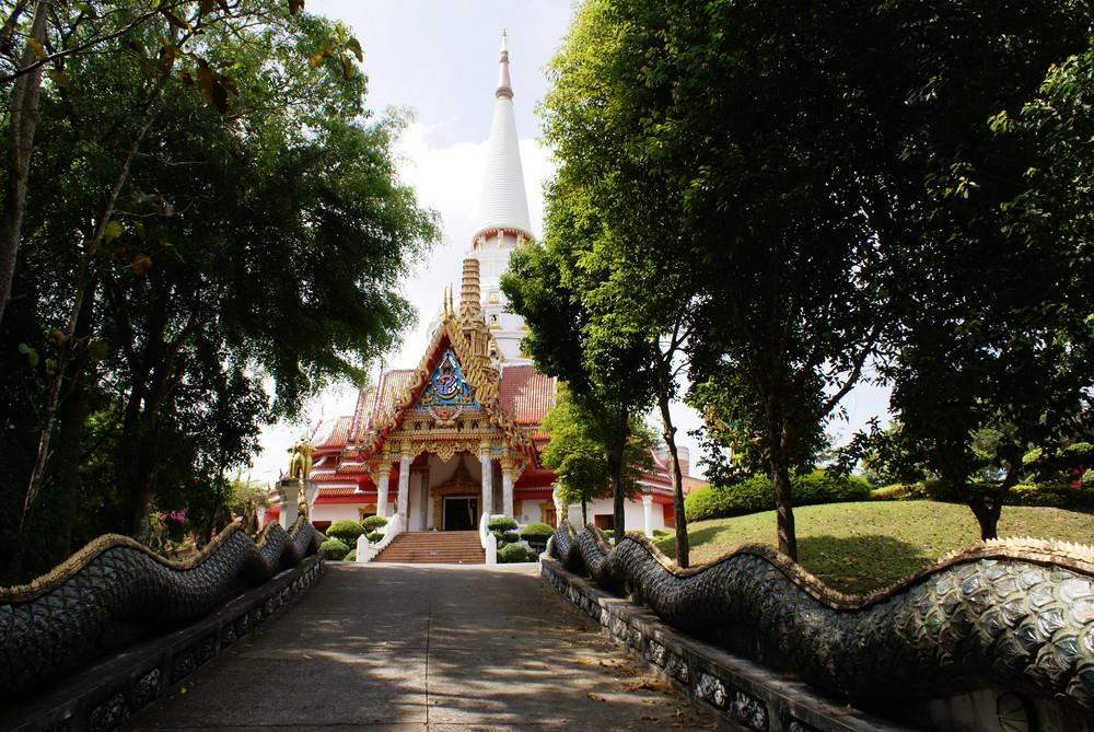 Tempelanlage in Krabi III (Wat Ban Rieng)