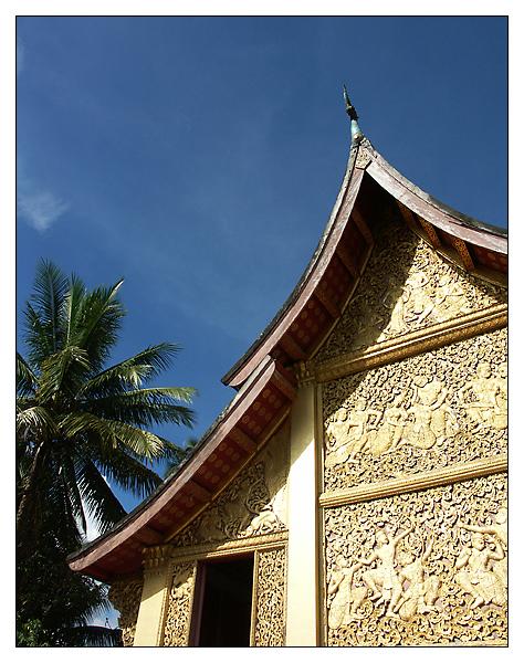Tempelfassade im Wat Xieng Thong - Luang Prabang, Laos