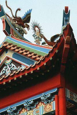 Tempelfassade in Kuching (N-Borneo).