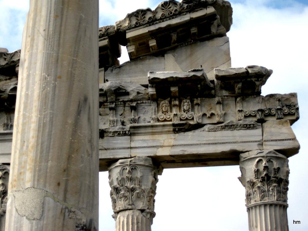 Tempelreste in Pergamon (Perge Türkei)