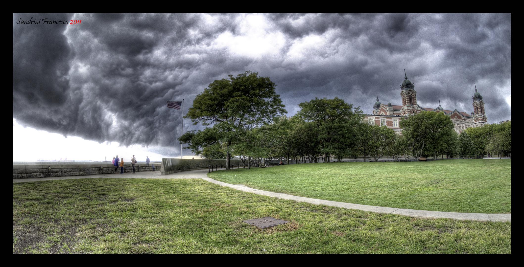 Tempesta su Ellis Island