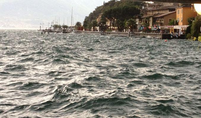 Tempesta sul lago
