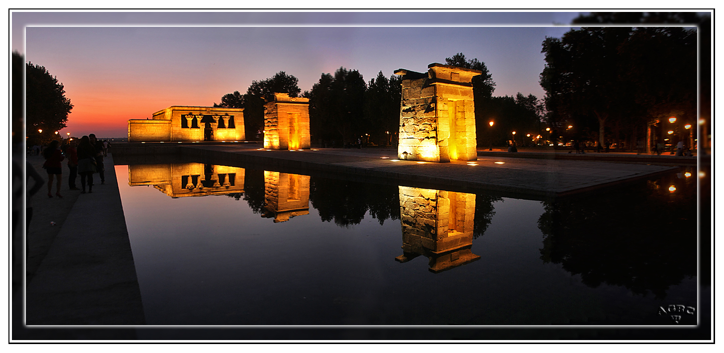 Templo de Debod, Madrid. Panoramica (5 Img). Post GKM3