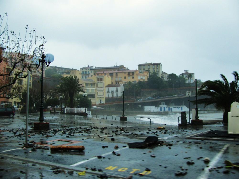 Tempête sur le port de Cerbère (FRANCE-66)
