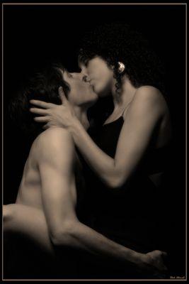 tender kisses!