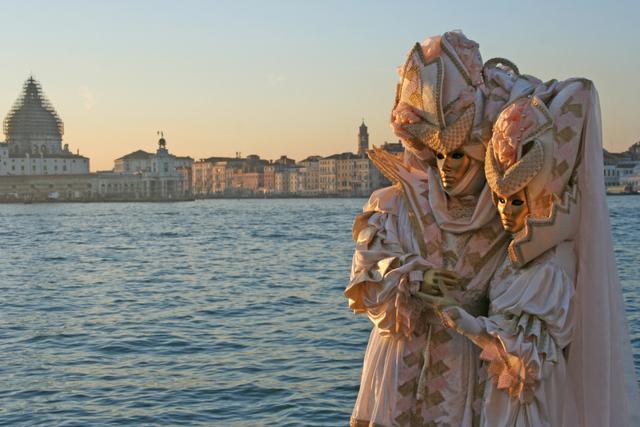 Tendresse au soir tombant sur Venise 08