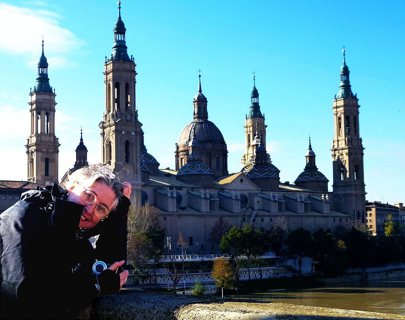 Teresa Pascual en el Puete de Piedra-Zaragoza