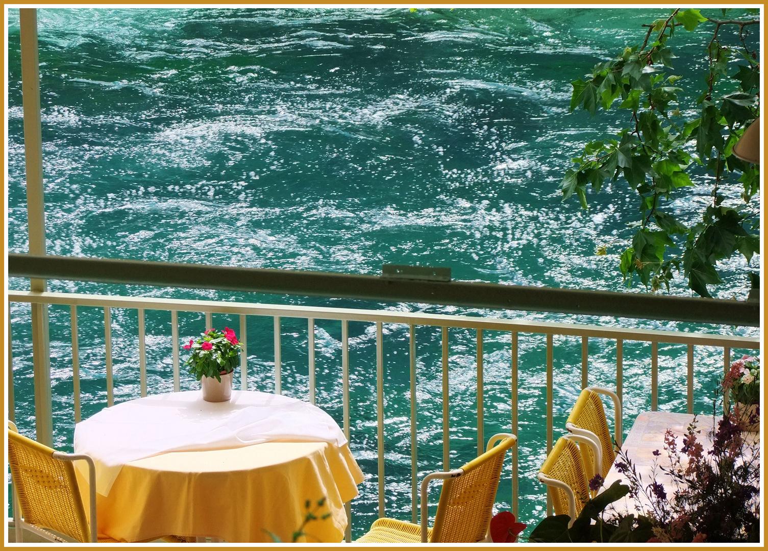 Terrasse sur rivière...