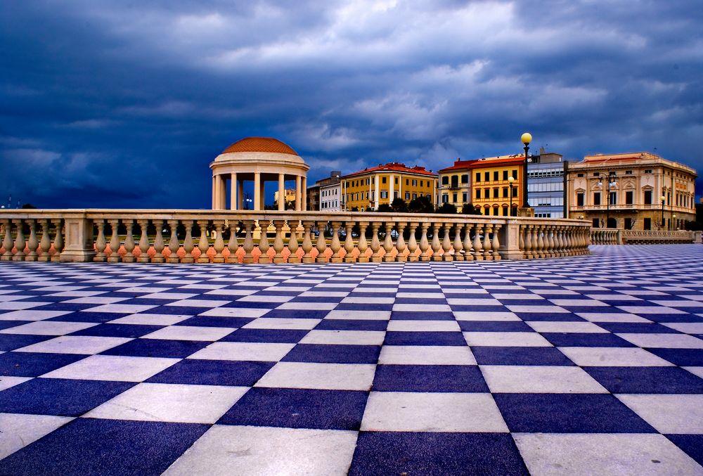 Terrazza Mascagni - Livorno Foto % Immagini| cartoline, temi Foto ...