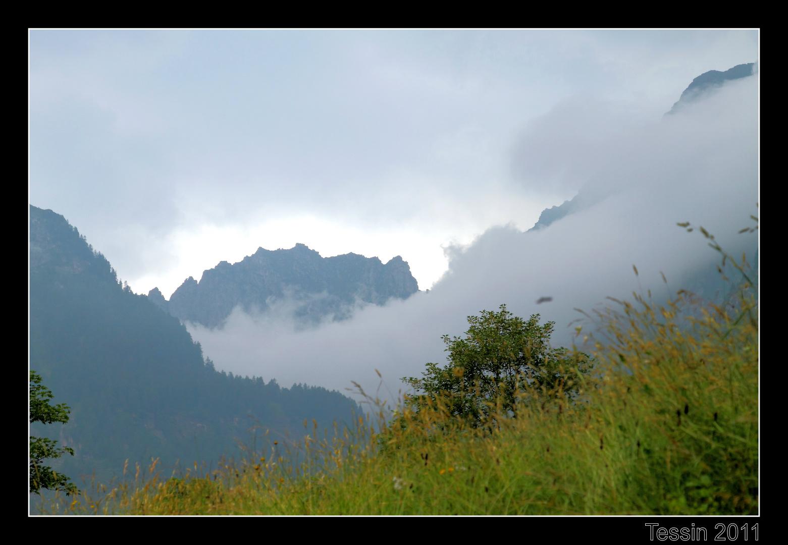 Tessin 2011 Valle Verzasca Das Wetter zieht ins Tal...