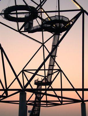 Tetraeder Bottrop, oder auch: stairway to heaven. Ein bißchen.