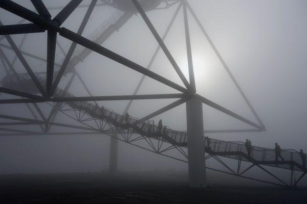 Tetraeder im Nebel
