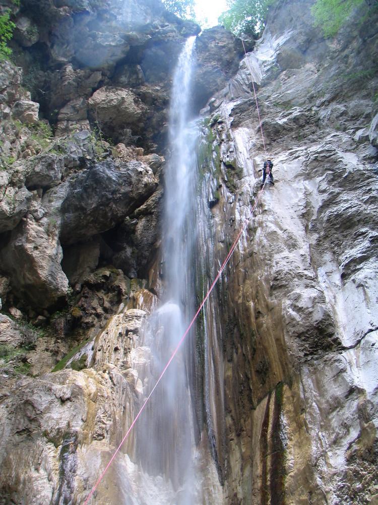 Teufels Wasserhahn 100 Meter lang und feucht...