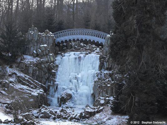 Teufelsbrücke im Bergpark Wilhelmshöhe 001