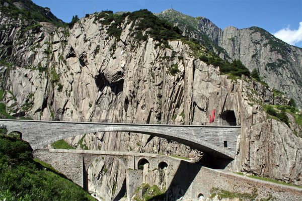 Teufelsbrücke(n)