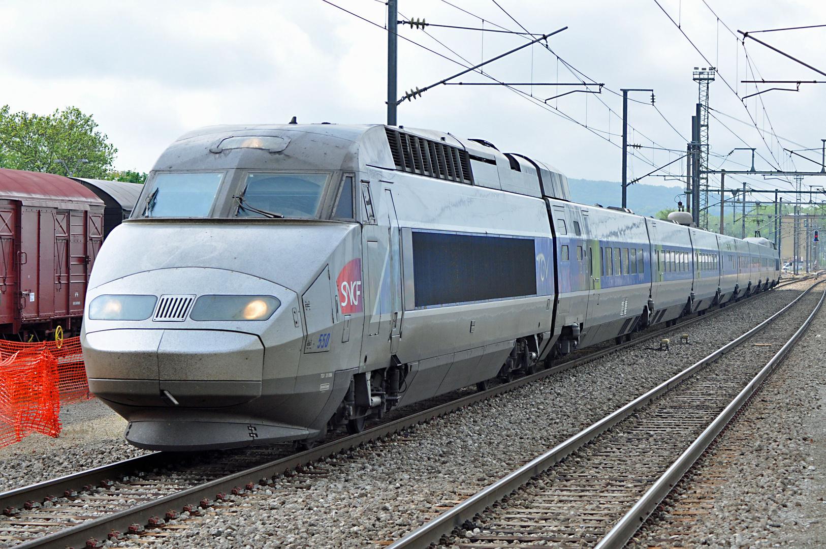 TGV in Bettemburg Richtung Luxemburg