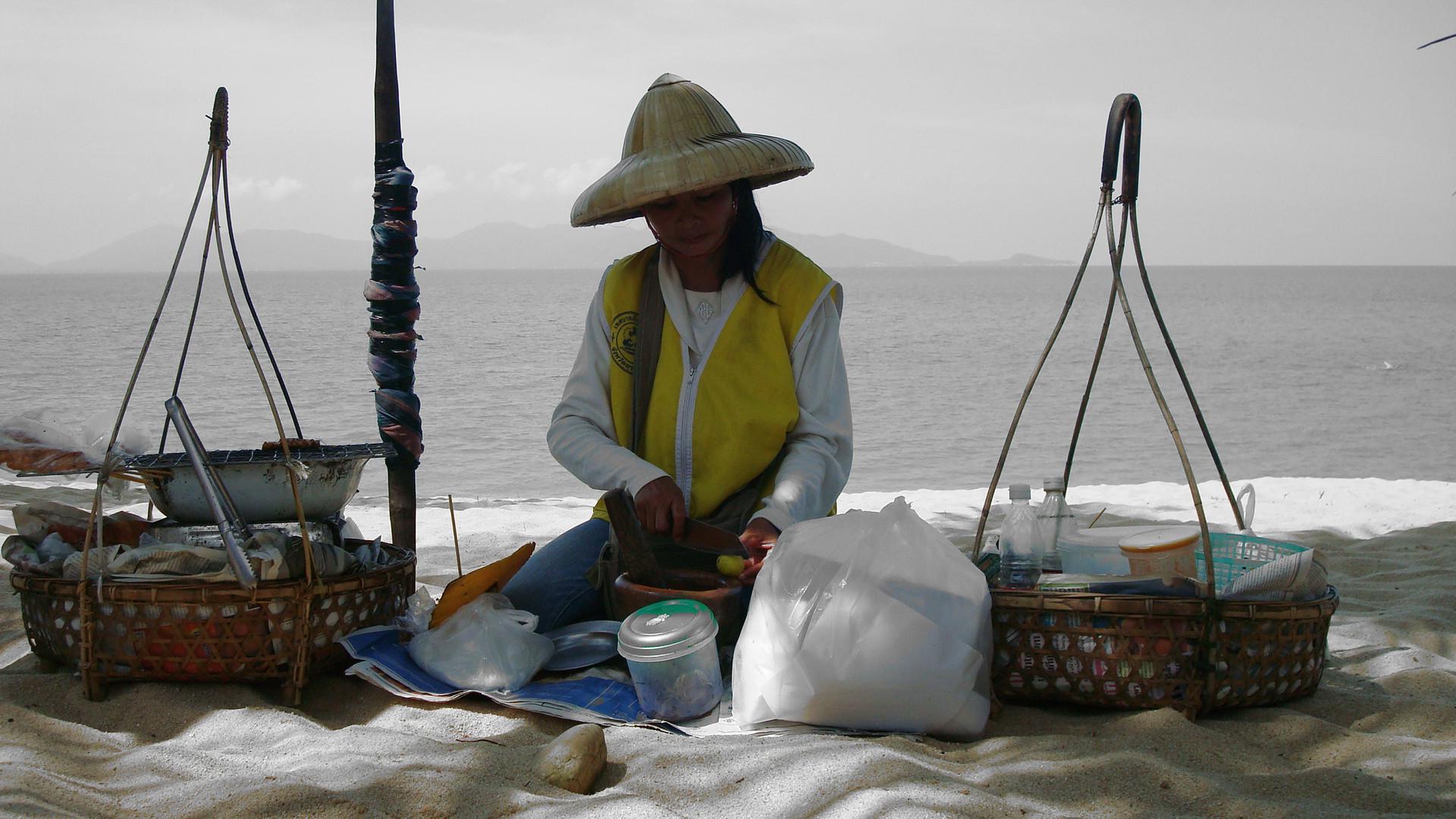 Thai-Frau bei der Arbeit