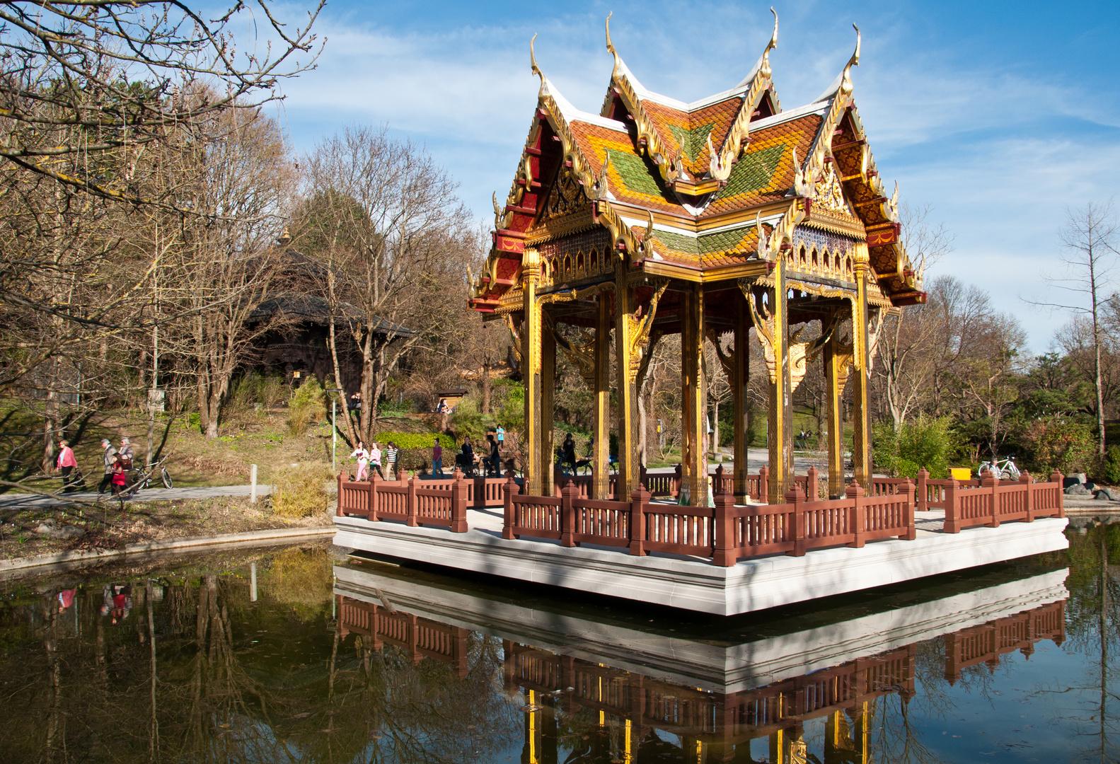 """Thailändische """"Sala"""" (Pavillon) im Westpark"""