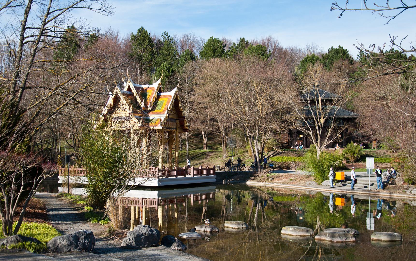 Thailändischer Pavillon und Nepalesische Pagode im Westpark