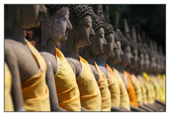 Thailand-Impressionen (8) - o n e in/a r o w -
