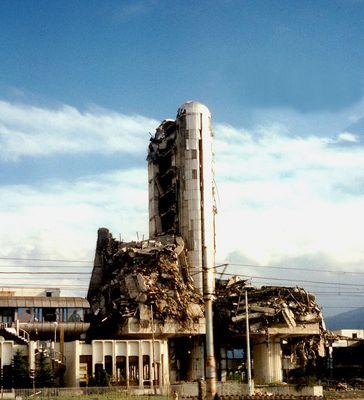 """""""the art of war"""" - Pressehaus """"OSLOBODENJE"""" in Sarajevo"""