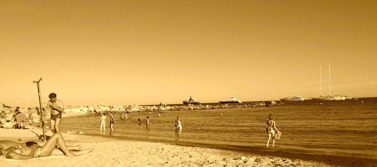 The beach of Antibes