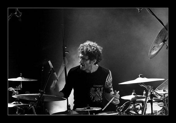 ::.. the drum god  ..::