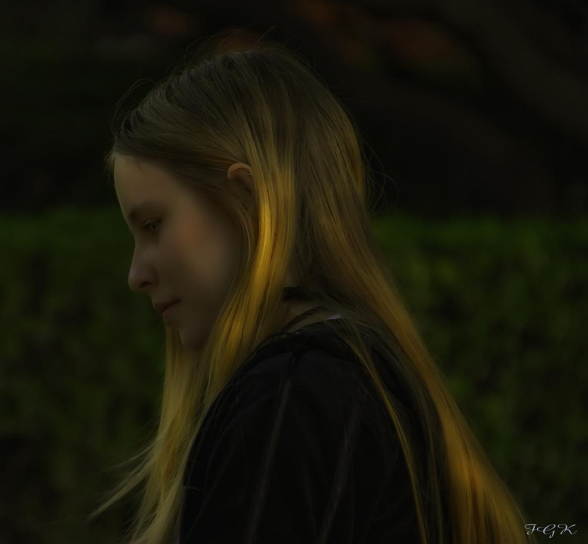 The Elf Girl ( La Muchacha Elfica) a Ana Iglesias