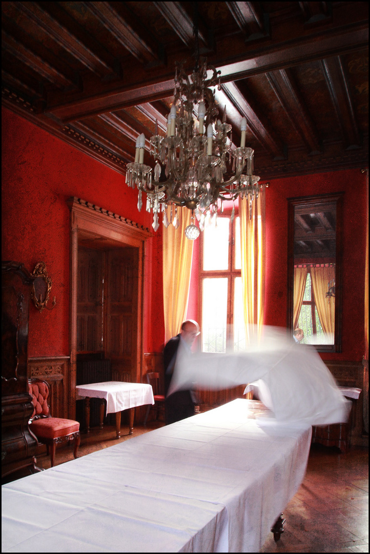 the flying tablecloth