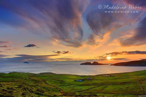 • The Glen - St. Finians Bay with Skelligs and Puffin Island