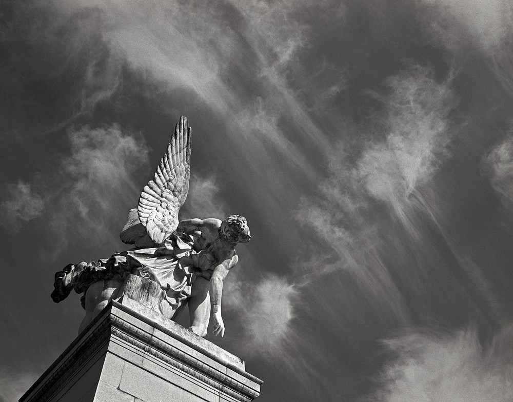 The Goddess Nike, Siegesgöttin Nike (Berlin)
