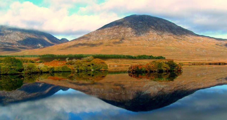 the golden hills of connemara