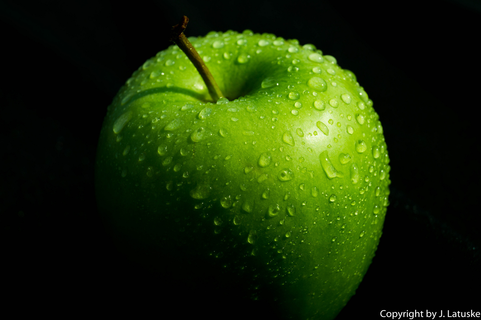 The green fresh Apple