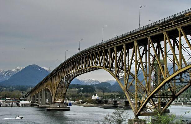 The Ironworkers' Memorial Bridge