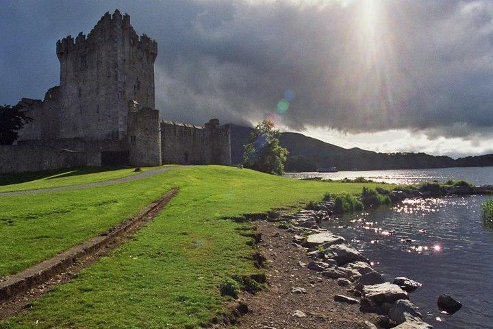 The Light of Ross Castle