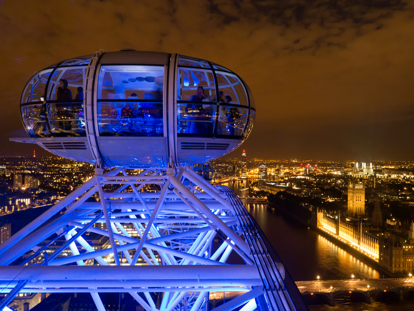 the London eye, starting in space