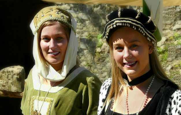 The Middle Ages (77) : Maidens
