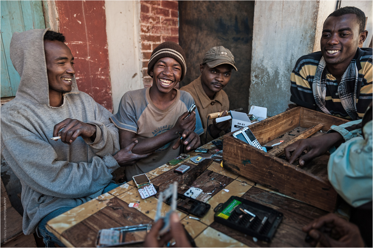 The Mobile Phone-Gang....