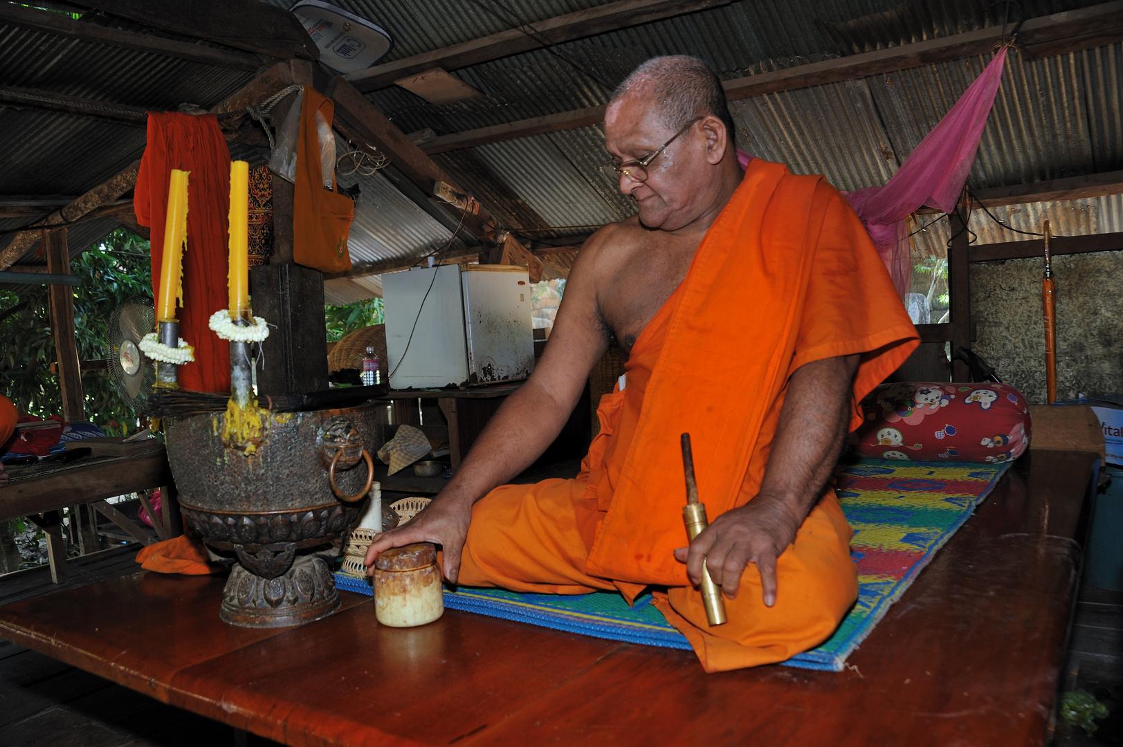 The Monk of the Athvea Pagoda 02