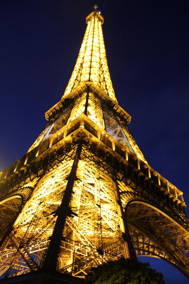 The Night - La Tour Eiffel