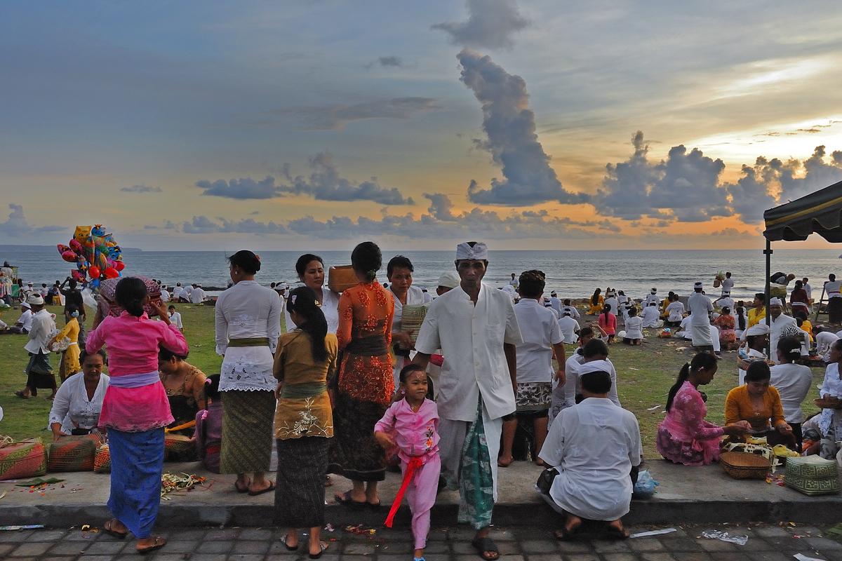 The Odalan celebration at the beach