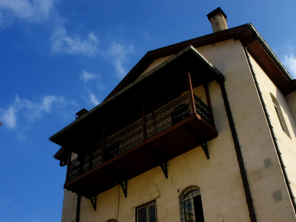 The old balcony