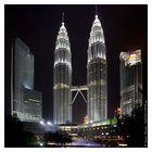 The Petronas Twin Towers at Night, Kuala Lumpur/Malaysia
