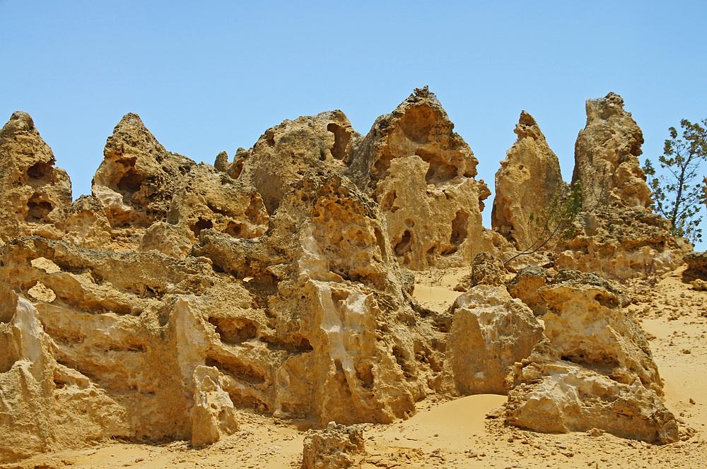 ..The Pinnacles 9..