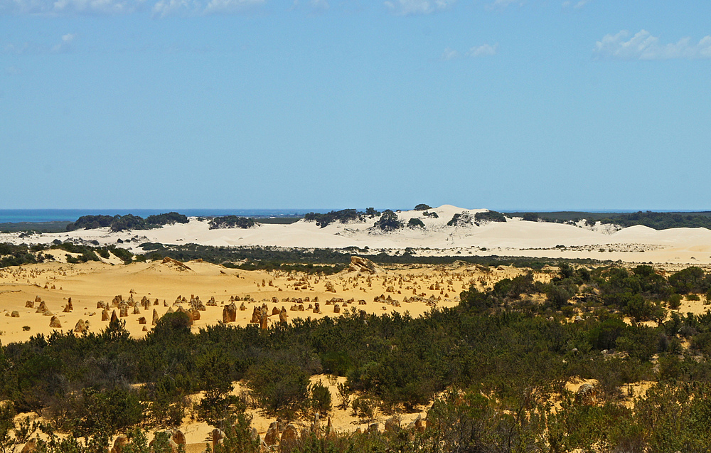 ..The Pinnacles Desert 2..