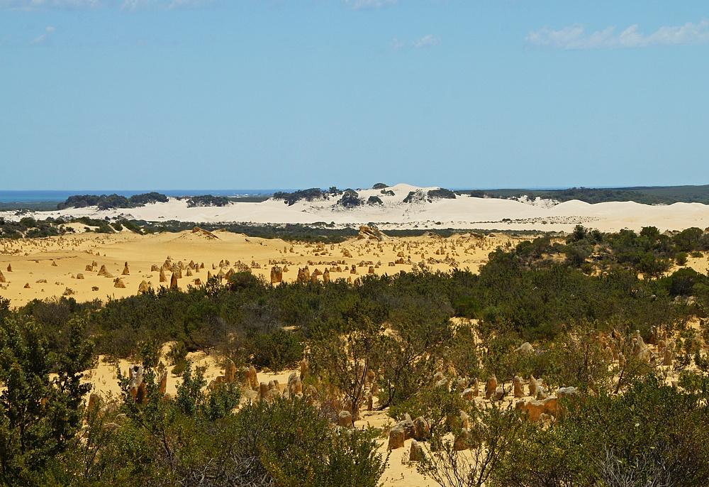 ..The Pinnacles Desert 3..